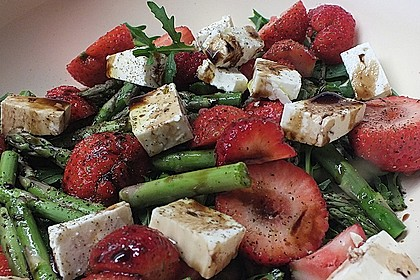 Marinierter Spargel - Erdbeer - Salat 11