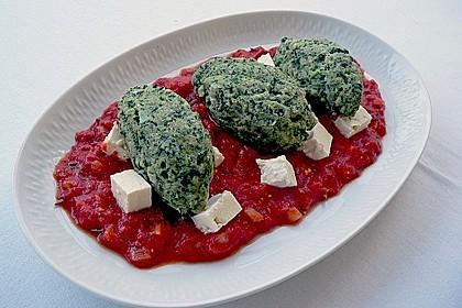 Spinat - Nocken auf Tomaten - Rucola - Ragout 3