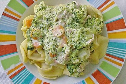 Tortellini mit Brokkoli und Karotten 1