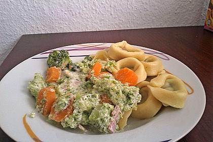 Tortellini mit Brokkoli und Karotten