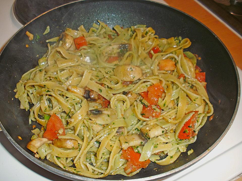 b rlauch spaghetti mit tomaten champignon gem se rezept mit bild. Black Bedroom Furniture Sets. Home Design Ideas