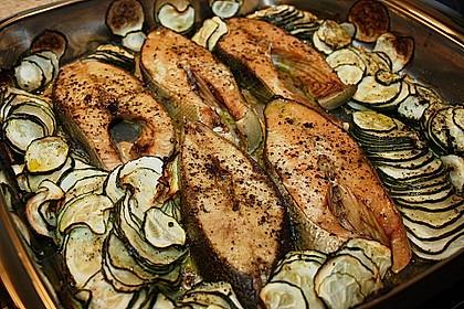 Wildlachs vom Blech auf Kartoffel - Zucchini - Gemüse 2