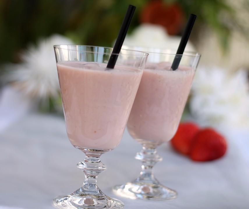 rhabarber erdbeer smoothie rezept mit bild von msdeluxe. Black Bedroom Furniture Sets. Home Design Ideas
