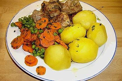 Frisches Erbsen - und Möhrengemüse 4