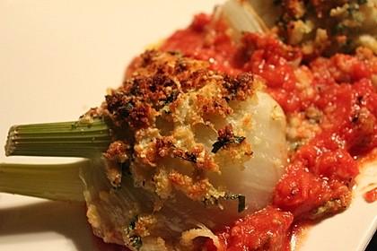 Überbackener Fenchel auf Tomatenbeet
