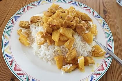 Hähnchen-Ananas-Curry mit Reis 106