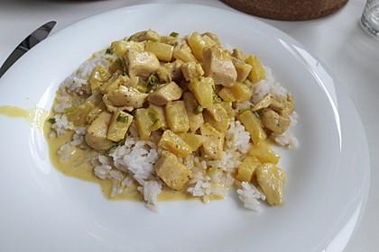 Hähnchen-Ananas-Curry mit Reis 50