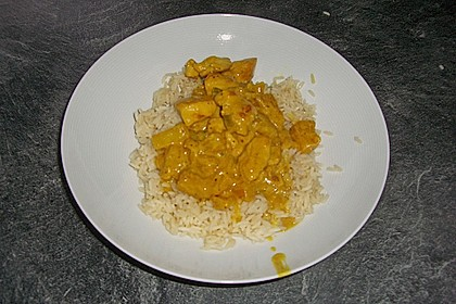 Hähnchen-Ananas-Curry mit Reis 82