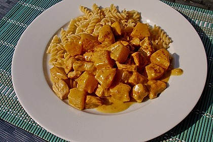 Hähnchen-Ananas-Curry mit Reis 33