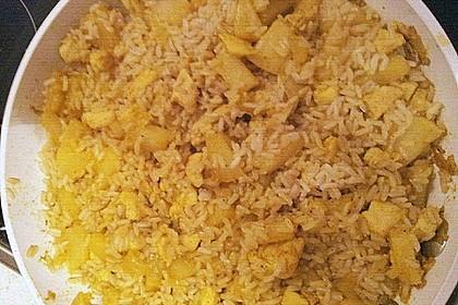 Hähnchen-Ananas-Curry mit Reis 121