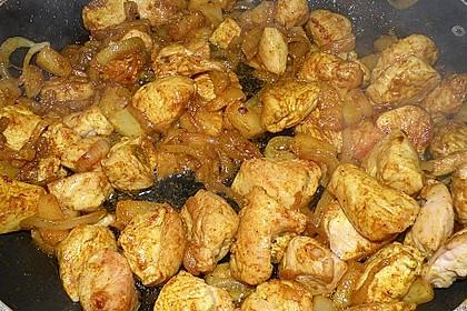 Hähnchen-Ananas-Curry mit Reis 68