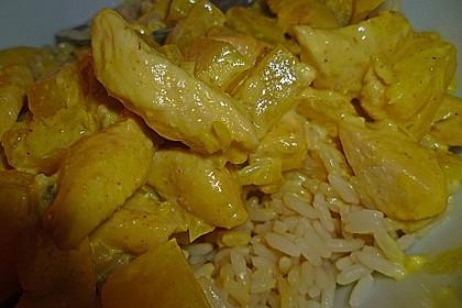 Hähnchen-Ananas-Curry mit Reis 83