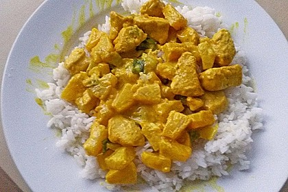 Hähnchen-Ananas-Curry mit Reis 87