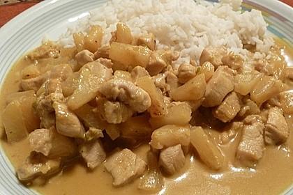Hähnchen-Ananas-Curry mit Reis 97