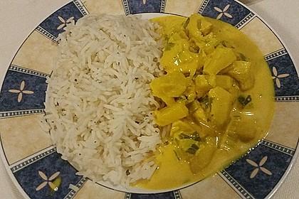 Hähnchen-Ananas-Curry mit Reis 99