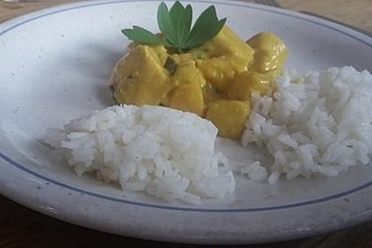 Hähnchen-Ananas-Curry mit Reis 102