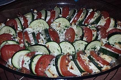 Auflauf von Zucchini, Tomaten und Feta 28