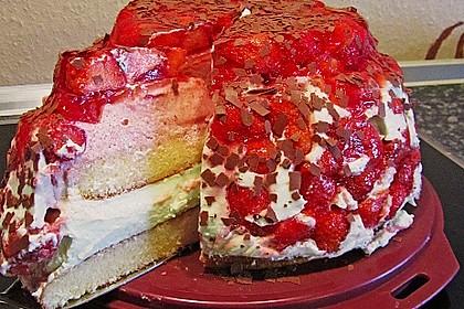 Mai - Torte mit Erdbeeren und Waldmeister 18