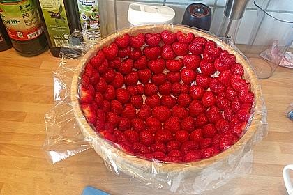 Mai - Torte mit Erdbeeren und Waldmeister 8