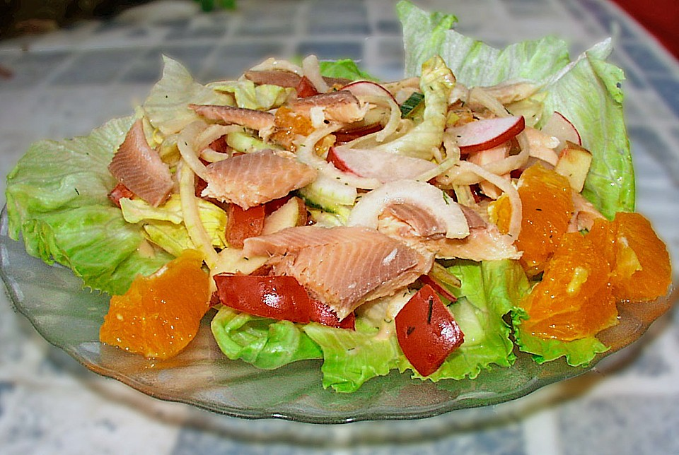 salat mit forellenfilet nach laura rezept mit bild. Black Bedroom Furniture Sets. Home Design Ideas