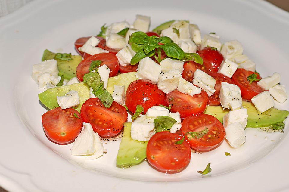 avocado tomaten mozzarella salat rezept mit bild. Black Bedroom Furniture Sets. Home Design Ideas