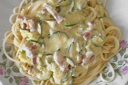 Spaghetti mit Zucchini - Sauce 4