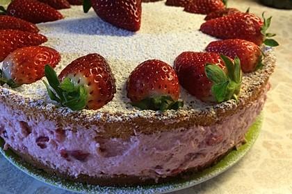 Vanille - Erdbeer - Torte à la Käse - Sahne