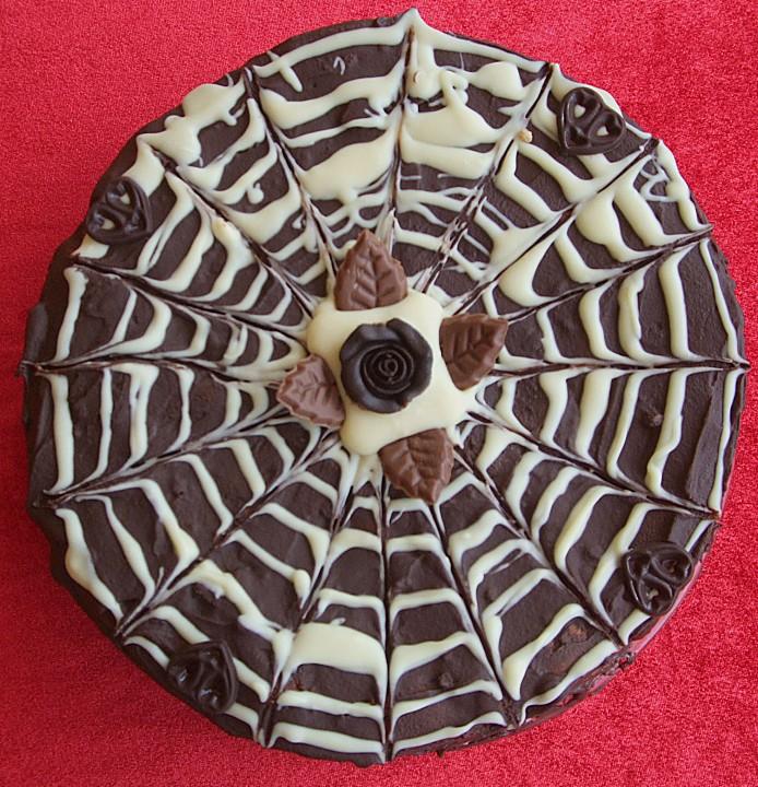 erdbeer wei e schokolade torte rezept mit bild. Black Bedroom Furniture Sets. Home Design Ideas