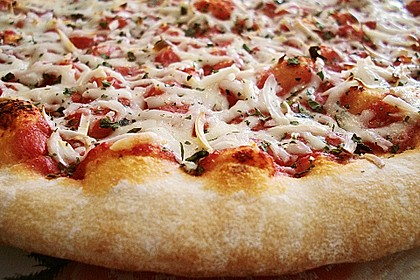 Pizza Margherita 3