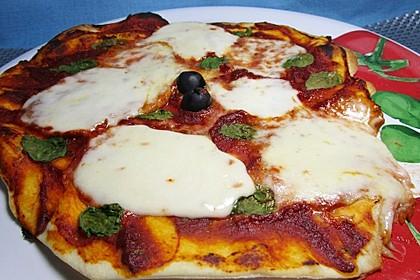 Pizza Margherita 11