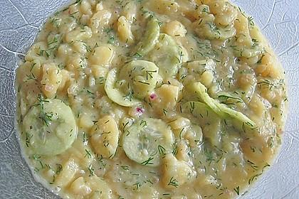 Steinbeißerbäckchen auf Kartoffel - Gurken - Salat 1