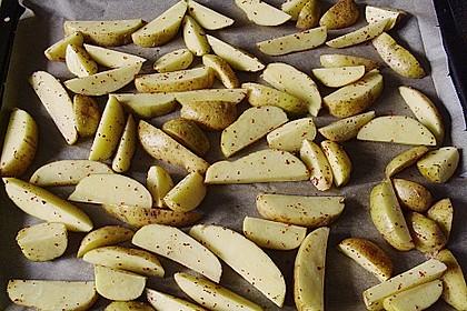 Hähnchenbrustfilet mit Country-Kartoffeln 70