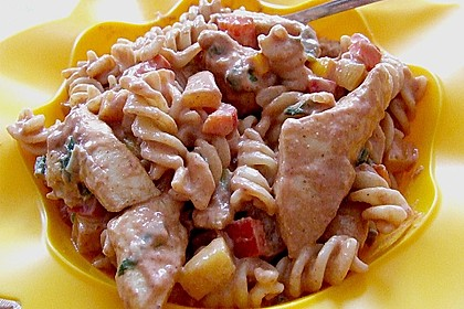 Nudelsalat mit Hähnchenbrust