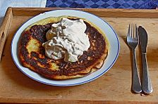 Vollkorn Pancakes mit Apfel-Sahne Quark