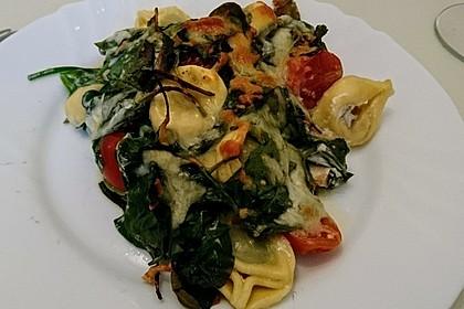 Tortellini gratiniert mit Lachs und Spinat 8