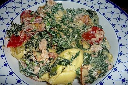 Tortellini gratiniert mit Lachs und Spinat 0