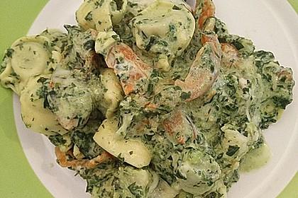 Tortellini gratiniert mit Lachs und Spinat 2