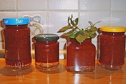 johannisbeer erdbeer marmelade mit alkoholisierten waln ssen von k ferblau. Black Bedroom Furniture Sets. Home Design Ideas