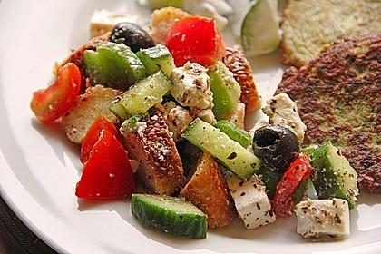 Kretischer Brotsalat