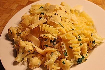 Italienische Nudeln mit Blumenkohl 6