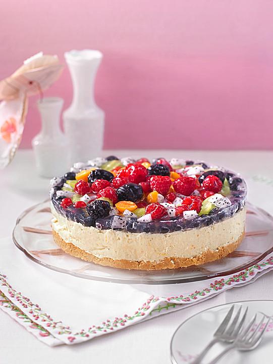 Torte Mit Früchten : joghurt sahne torte mit frischen fr chten von ~ Lizthompson.info Haus und Dekorationen