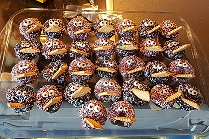 Kleine Kuchen im Waffelbecher 49