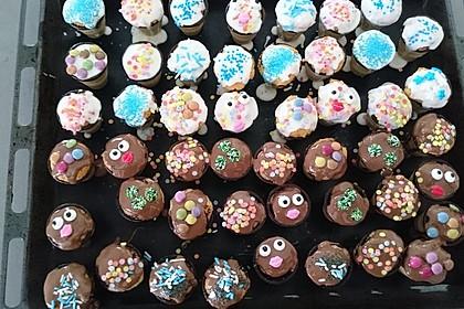 Kleine Kuchen im Waffelbecher 93