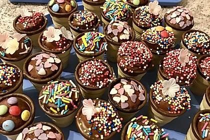 Kleine Kuchen im Waffelbecher 7