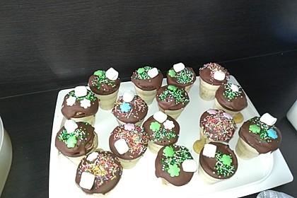 Kleine Kuchen im Waffelbecher 116