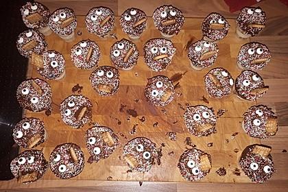 Kleine Kuchen im Waffelbecher 110