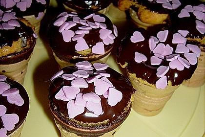 Kleine Kuchen im Waffelbecher 118
