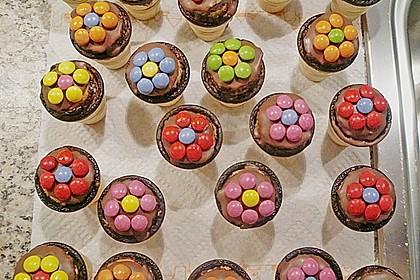 Kleine Kuchen im Waffelbecher 51