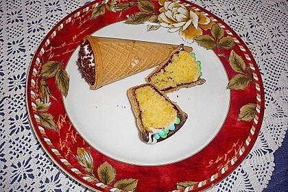 Kleine Kuchen im Waffelbecher 108