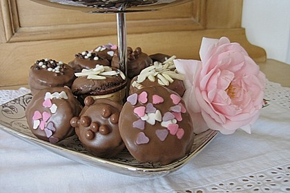Kleine Kuchen im Waffelbecher 80
